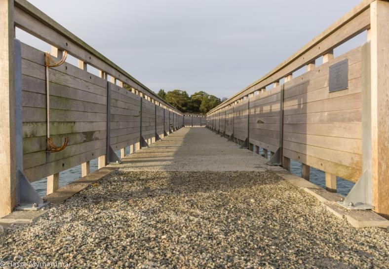 Bron över