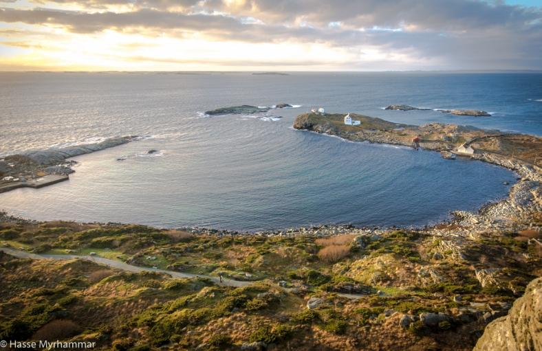 Fjøløy Fort och Fjøløy Fyr, från ovan.